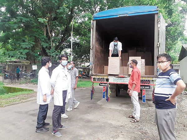West Cancer Center Oncologist Sends Oxygen Concentrators to Fight COVID in Nepal